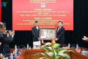 Thủ tướng Nepal thăm Học viện chính trị quốc gia Hồ Chí Minh