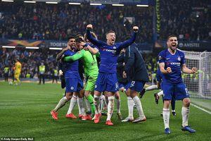 Chelsea, Arsenal thắng lớn, bóng đá Anh chứng kiến điều chưa từng có