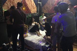 Nhiều thiếu nữ xinh đẹp phê ma túy trong nhà nghỉ ở Huế