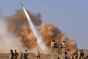 Giáo sĩ Iran dọa đánh chìm tàu sân bay Mỹ chỉ bằng một tên lửa