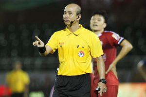 HLV Hàn Quốc lần đầu phá lệ phê bình trọng tài V.League