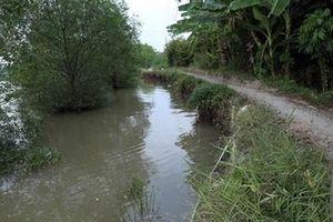 Sau chầu nhậu, 2 người đàn ông trồng thanh long chết đuối dưới kênh