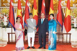 Thủ tướng Nguyễn Xuân Phúc đón, hội đàm với Thủ tướng Nepal