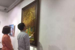 Khai mạc triển lãm '36+' của các họa sĩ xứ Thanh
