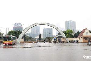 Treo băng rôn phản đối 'xén' công viên Cầu Giấy: Phường sẽ đối thoại?