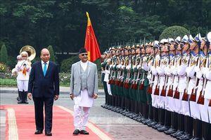 Thủ tướng Nguyễn Xuân Phúc đón và hội đàm với Thủ tướng Nepal
