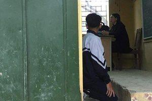 Giáo viên bắt học sinh quỳ trước lớp: Làm theo yêu cầu của phụ huynh?