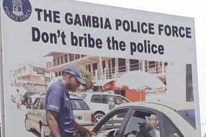 Chống tham nhũng ở Gambia: Có nỗ lực nhưng chưa đủ