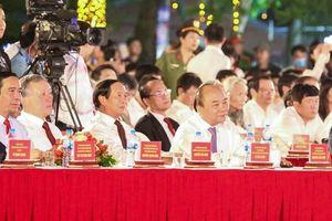 Thủ tướng dự đêm hội 'Hải Phòng - Điểm đến thành công'