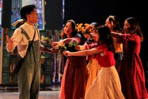 Lắng đọng với vở nhạc kịch tiếng Anh của học sinh trường Ams
