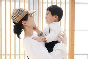 Mỹ nhân phim Châu Tinh Trì lần hiếm hoi khoe ảnh chụp với con trai út