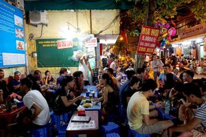 Forbes: Lượng tiêu thụ rượu bia của người Việt tăng nhanh nhất thế giới