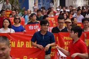 Khu đô thị Ngoại giao đoàn: Dân lại 'xuống đường' phản đối chủ đầu tư