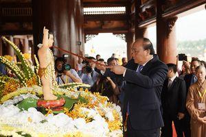 Thủ tướng Nguyễn Xuân Phúc dự khai mạc Đại lễ Vesak 2019
