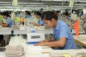 Nâng cao đời sống cho công nhân ngành may