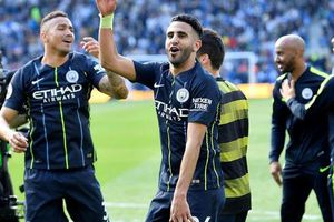 Man City biến Liverpool thành á quân vĩ đại
