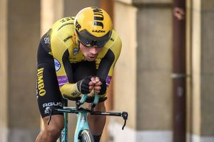 Giro d'Italia: Roglic thắng chặng mở màn, ghi chiến thắng thứ 5 trong mùa