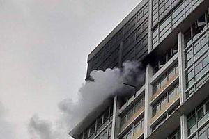 Cháy, báo cháy giả ở chung cư Sài Gòn: Bi hài cảnh chạy thục mạng, vô tư ngủ