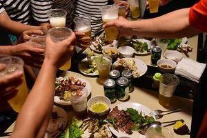 Lượng tiêu thụ đồ uống có cồn tại Việt Nam tăng nhanh nhất thế giới