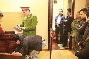 Đề nghị truy tố Hưng 'kính' và đàn em trong vụ cưỡng đoạt ở chợ Long Biên