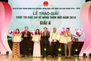 Trao giải cuộc thi báo chí về Nông thôn mới năm 2018