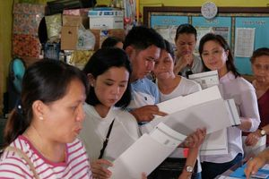 Philippines bầu cử giữa nhiệm kỳ