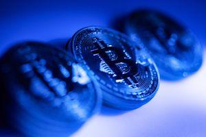 Giá bitcoin tăng 90% từ đầu năm
