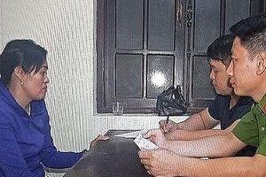 Khởi tố con gái tưới xăng đốt bố mẹ ở Hà Nam