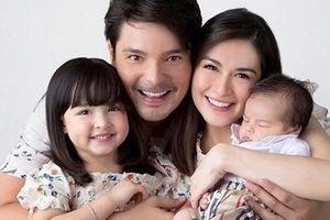 'Mỹ nhân đẹp nhất Philippines' khoe ảnh cả gia đình đẹp như tạc tượng