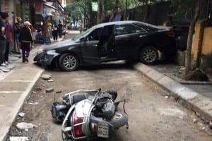 Hé lộ nguyên nhân xe camry lùi 'như tên bắn' tông chết người ở Hà Nội