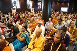 'Sự lãnh đạo bằng chánh niệm vì hòa bình bền vững'