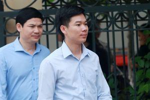 Vì sao tòa hoãn xét xử phúc thẩm bác sĩ Hoàng Công Lương?