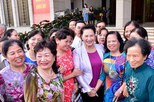 Chủ tịch Quốc hội gặp mặt cán bộ hưu trí, nhân dân nơi cư trú