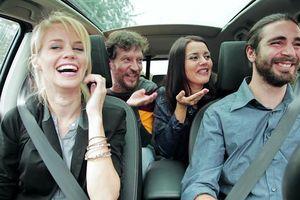 Những quy tắc biến bạn trở thành người lịch sự khi ngồi trên ôtô