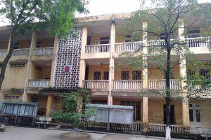 Hà Nội: Ngôi trường 'già nua' xuống cấp nghiêm trọng khiến học sinh thấp thỏm lo sợ