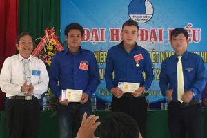 Trao bổ sung huy hiệu Tuổi trẻ dũng cảm cho 3 thanh niên cứu người
