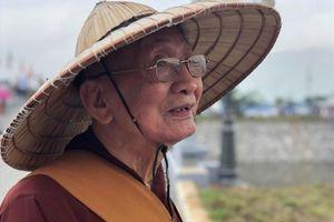 Nhà sư gần trăm tuổi lặn lội từ Hà Nội xuống Hà Nam dự Vesak 2019