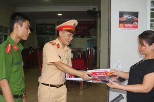 Công an TP. Hà Tĩnh ra quân tuyên truyền chiến dịch 'Đã uống rượu bia, thì không lái xe'
