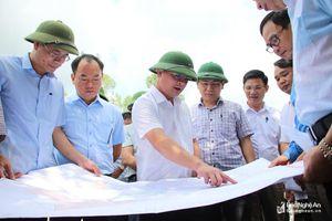 Chủ tịch UBND tỉnh Thái Thanh Quý kiểm tra một số dự án trọng điểm tại thị xã Hoàng Mai