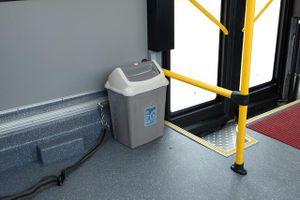 Thùng rác trên xe buýt: Có cũng như không