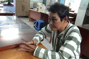 TP.HCM: 'Nựng' bé gái 7 tuổi, gã đàn ông 63 tuổi bị đánh bầm 2 mắt