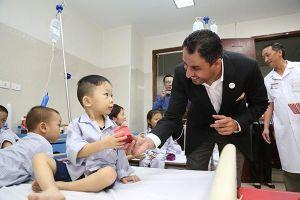 Đại sứ UAE và tấm lòng với bệnh nhân tan máu bẩm sinh Việt Nam