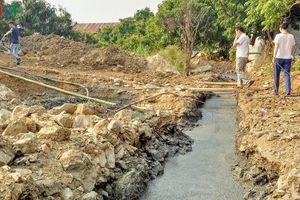Xã chuẩn bị đón nông thôn mới, dân vẫn khổ vì ô nhiễm môi trường