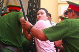 Xét xử ông trùm ma túy Văn Kính Dương: Hoãn tuyên án, quay về phần xét hỏi