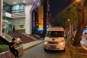 Nam tài xế tử vong trong nhà vệ sinh tòa nhà cao tầng giữa trung tâm Sài Gòn