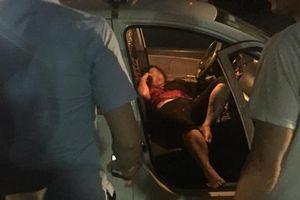 Đâm nữ tài xế taxi gục, hung thủ tự lấy dao đâm mình rồi nhảy xuống hồ