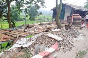 Bắc Kạn: Trưởng thôn xây nhà xâm phạm hành lang ATGT