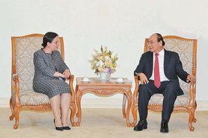 Thủ tướng Nguyễn Xuân Phúc tiếp Quốc vụ khanh Bộ Ngoại giao Ru-ma-ni; Chủ tịch Phòng Kinh tế Áo
