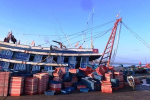 Ngộ độc khí dưới tàu cá, năm người thương vong