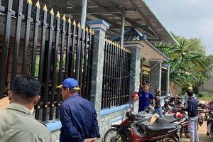 Bình Dương: Chồng chết vợ nguy kịch trong căn nhà khóa cổng